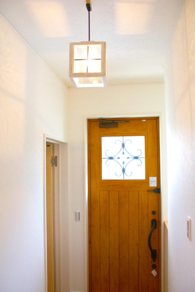 住宅と趣味を一緒に楽しむ「まるで絵本に出てくるような家」のメイン写真
