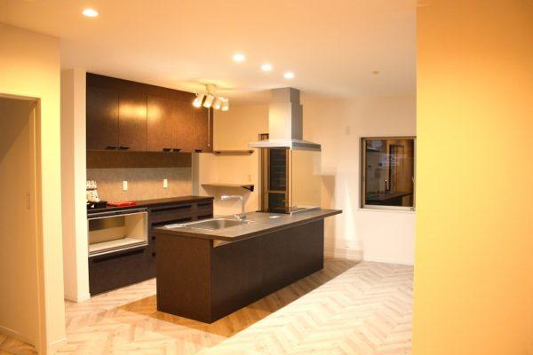 ゆとりあるスペースで、収納・動線にも配慮したお家のメイン写真